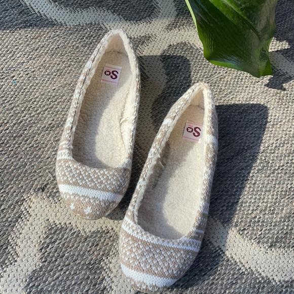 So Camel print knit flats faux fur lined 8 1/2